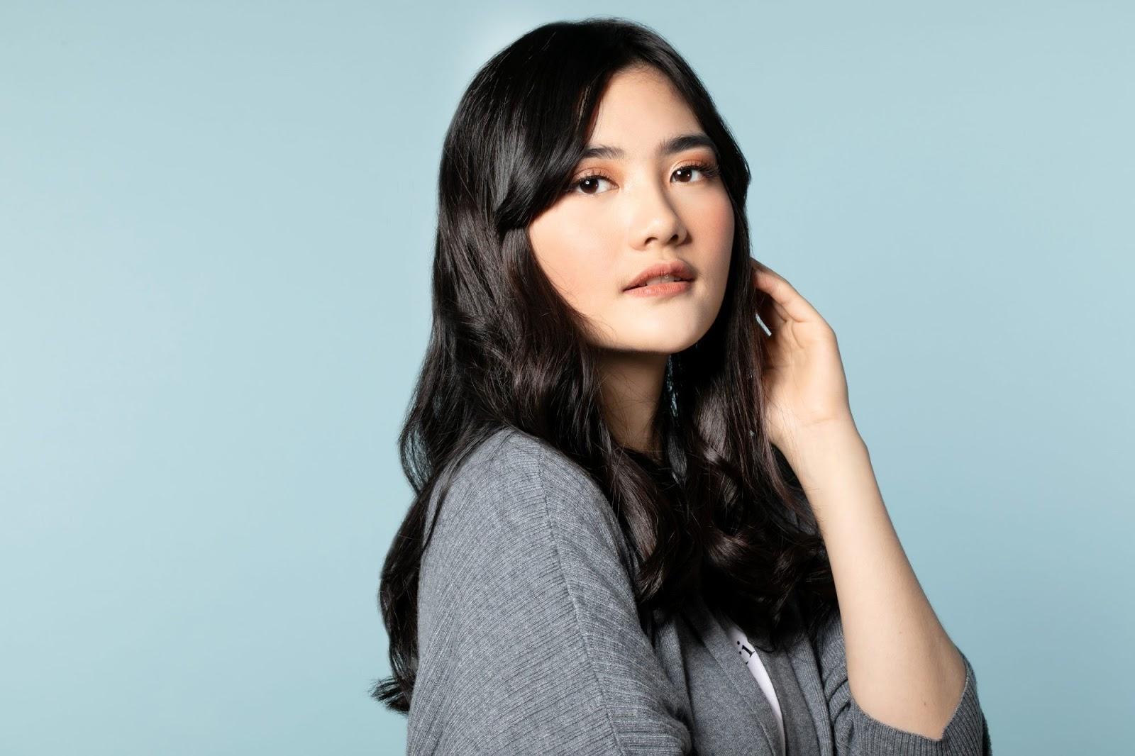 Sumber : unileverservices.com | Variasi dari Glossy Hair : Jet Black